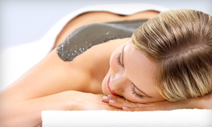 Skin by Sarah at Studio 413 - Papillion: $34 For Aromatherapy Body Wrap or Herbology Retexturizing Body Wrap From Skin By Sarah at Studio 413 in Papillion ($68 Value)
