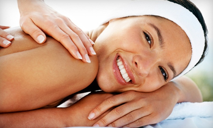 Kentuckiana Chiropractic Wellness Center - Elizabethtown: $30 for a One-Hour Customized Massage at Kentuckiana Chiropractic Wellness Center in Elizabethtown ($65 Value)