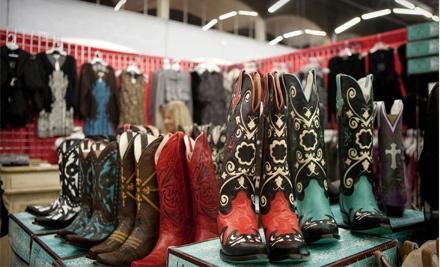 Dallas Sample Sale Preview Night on Thurs., Nov. 3 at 6PM - Dallas Market Center in Dallas