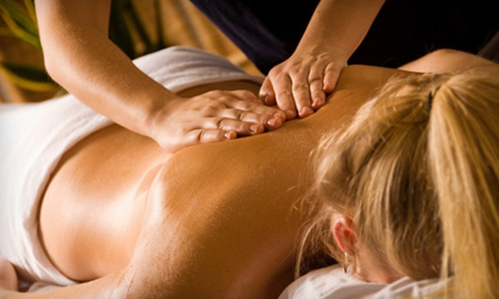 OolaMoola - Downtown: $25 for a 60-Minute Relaxation Massage at a Certified Clinic from OolaMoola ($90 Value).