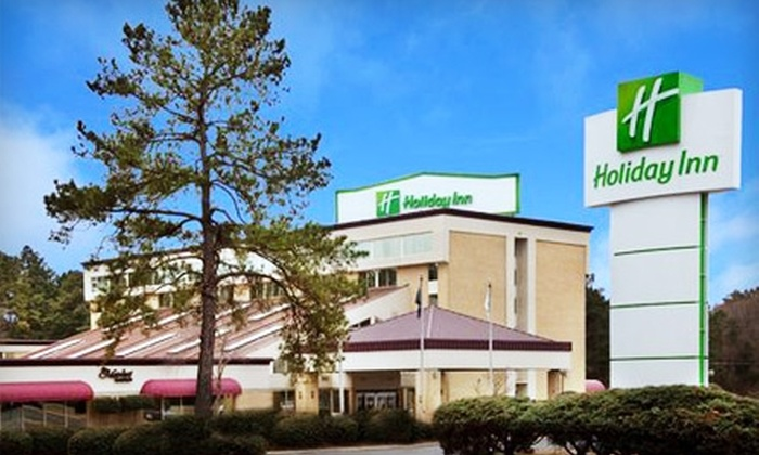Holiday Inn - Shreveport: $5 for a Lunch Buffet at Market Restaurant at the Holiday Inn ($10.95 Value)