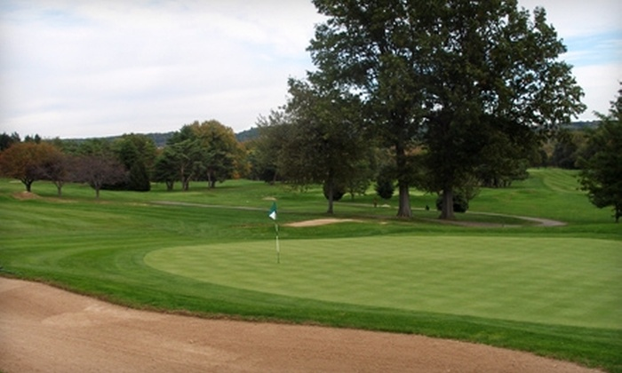 Indian Hill Country Club - Newington: $360 for a One-Month Trial Membership at Indian Hill Country Club in Newington ($720 Value). Five Months Available.