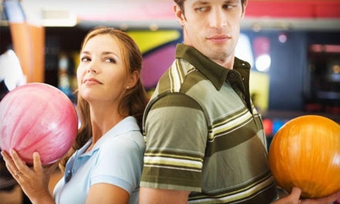 Stoneleigh Lanes - Baltimore: $18 for One Hour of Unlimited Bowling, a Pizza, and Shoe Rental for Two at Stoneleigh Lanes (Up to $36.75 Value)