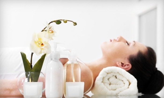 Belladerma Wellness Spa - Brewerton: $60 for a Rose-Petal Foot Fizz and a Chocolate-Mousse Facial at Belladerma Wellness Spa and a $10 Gift Card to The Brick House Cafe in Brewerton ($125 Value)