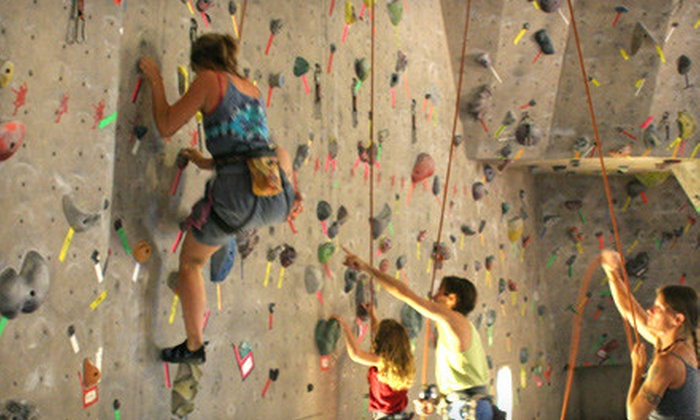 Red Rock Climbing Center - Canyon Gate: $69 for Introductory 4-Week Learn to Climb Course and One Month of Unlimited Climbing