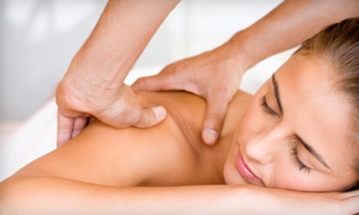 Dehaven Chiropractic Clinic - Vadnais Heights: $60 for Two One-Hour Massages at Dehaven Chiropractic Clinic in Vadnais Heights ($120 Value)