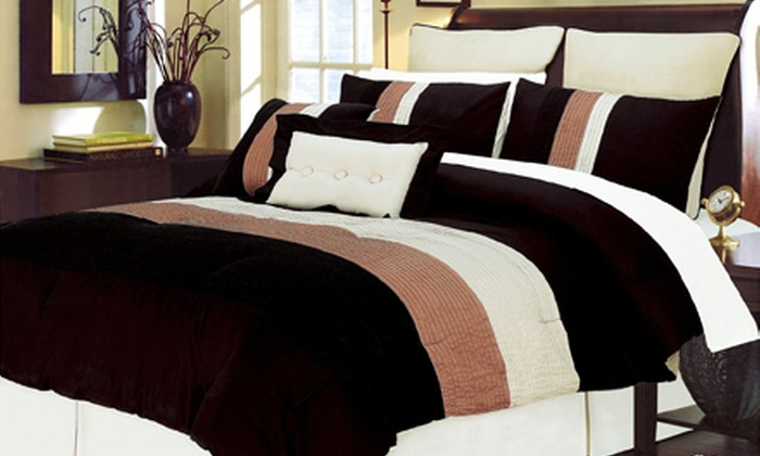 Modern Eight-Piece Bedding Set: King- or Queen-Size Eight-Piece 100% Cotton Bedding Set (Up to 62% Off). Shipping Included. Six Styles Available.