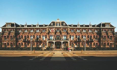 Dormir en edificio monumental: habitación doble o triple con opción a desayuno en el hotel The Manor Amsterdam 4*.