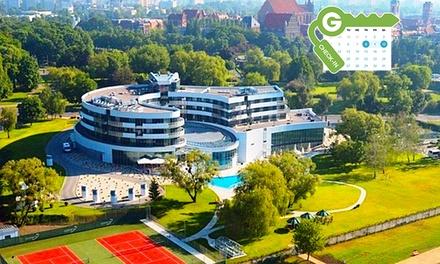 Toruń: pobyt dla 2 osób ze śniadaniami, dostępem do basenu, sauny i więcej w Copernicus Toruń Hotel 4*