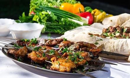 Kaukasisches 3 Gänge Grillteller Menü inkl. Vodka Shot (2 cl) für 2 oder 4 Personen im Restaurant Baku (64% sparen*)