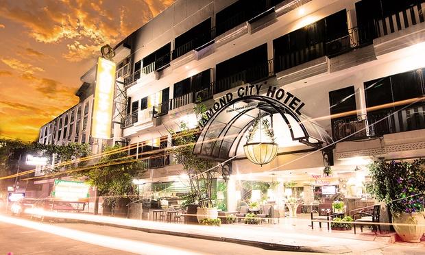 Bangkok: Budget Stay in Siam 5