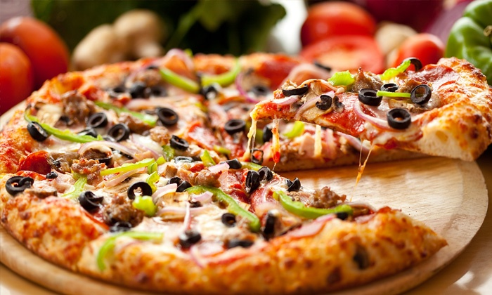 Giant Pizza King - Winter Gardens: $12 for $20 Worth of Pizzeria Cuisine at Giant Pizza King