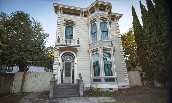 Grand Homes & Historical Landmarks of Vallejo Tour - Vallejo Naval & Historical Museum: Tickets for One, Two, or Four to the Grand Homes & Historical Landmarks of Vallejo Tour (Up to 50% Off).