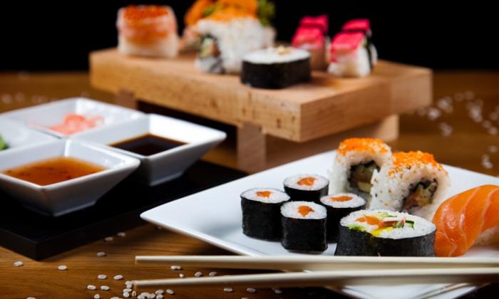 3 g nge sushi men f r zwei sushi samurai g ppingen groupon. Black Bedroom Furniture Sets. Home Design Ideas