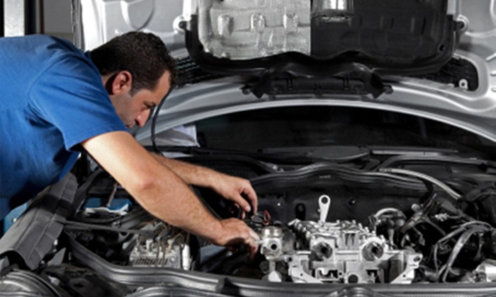 BERKSHIRE AUTOS - Hurst: Full MOT With Health Check Plus Oil Top-Ups for £25 at Berkshire Autos (69% Off)