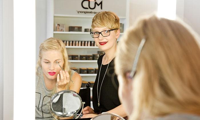 MUD Studio Berlin - MUD Studio Berlin: Individueller Make-up-Workshop für 1 oder 2 Personen im MUD Studio Berlin (70% sparen*)