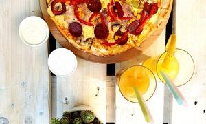 Rewolwer Pizza: Pizza 45 cm: dwie (39,99 zł), trzy (59,99 zł) lub cztery (79,99 zł) sztuki w Rewolwer Pizza (-50%)