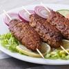 Köfte-Sandwich, Ayran und Dessert