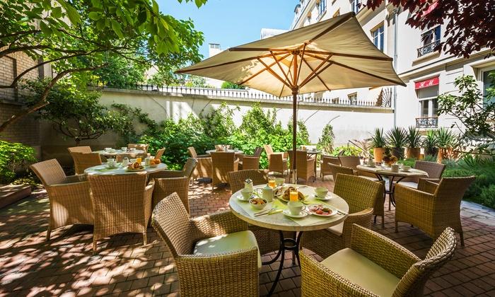 H tel magellan in par s ile de france groupon getaways for Groupon hotel paris