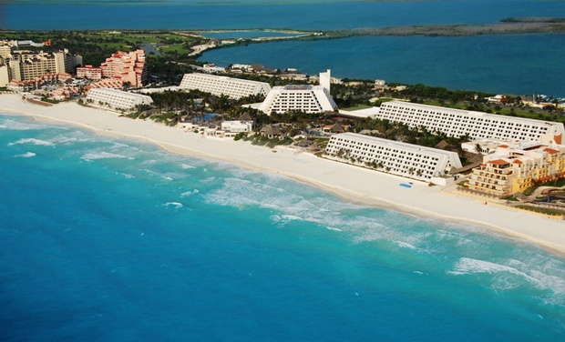 Grand Oasis Cancun >> The Grand Lifestyle At Grand Oasis Cancun Groupon
