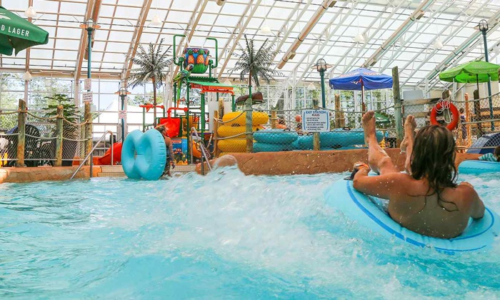 Indoor water park waves indoor waterpark at americana for Pool spa show niagara falls