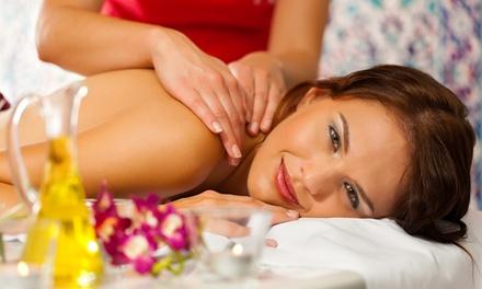 45 oder 60 Min. Massage mit warmem Öl nach Wahl inkl. Getränk bei Heilpraktikerin Birgit Stiebitz(bis zu 51% sparen*)