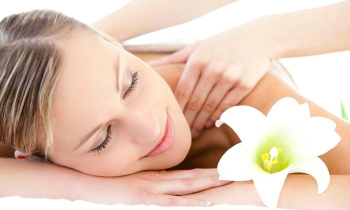 Bloomfield Wellness Clinic - West Bloomfield: $40 for $179 Worth of Chiropractic Exam&Massage at Bloomfield Wellness Clinic