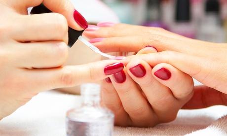 2 o 4 sesiones de manicura semipermanente desde 12,95 € Oferta en Groupon