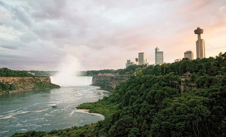 Couples Getaway at 4-Star Inn near Niagara Falls