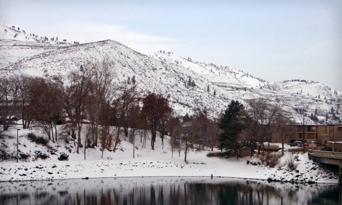 Lakeview Hotel - Chelan, WA: Two-Night Stay at Lakeview Hotel in Chelan, WA
