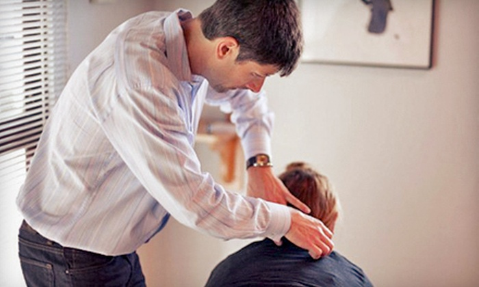 Healing Waves Wellness Center - Central Santa Cruz: Chiropractic Package with Exam, Spinal Scan, and Two or Four Adjustments at Healing Waves Wellness Center (89% Off)