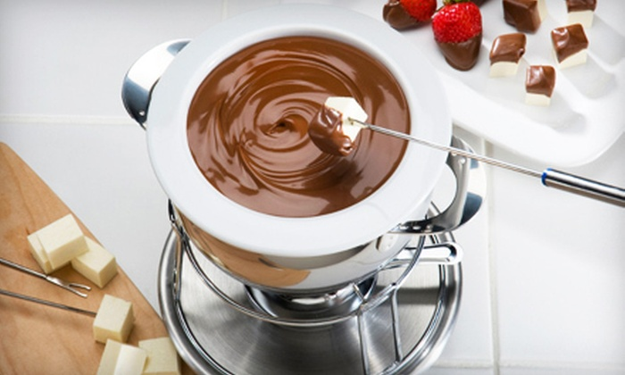 Zexyberry - Northeast Calgary: $22 for a Fondue Package with Seven-Piece Fondue Set and 200 Grams of Belgian Fondue Chocolate at Zexyberry ($45 Value)