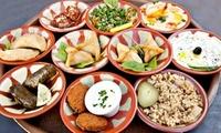 Formule Mezzeh séduction avec 12 entrées servies ensemble pour 2 personnes à 24 € au restaurant Le Cèdre