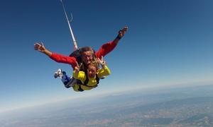 Aventure Parachutisme: 1 saut en parachute en tandem à 199,90 € chez Aventure Parachutisme