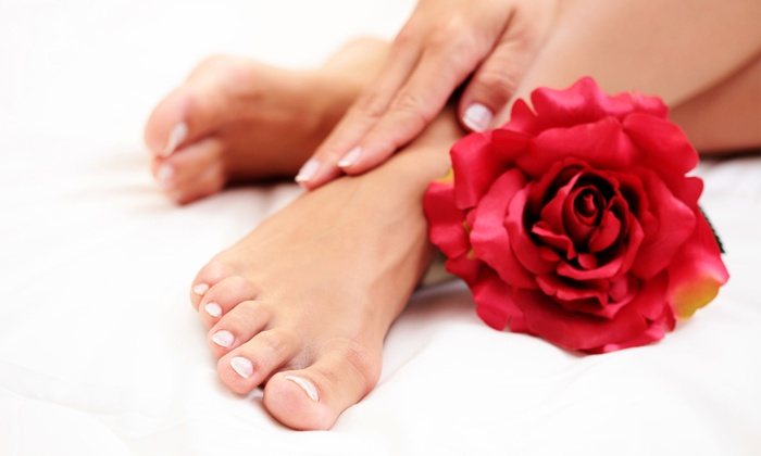 High 5 Salon - Sausalito: $29 for One Spa Mani-Pedi with Paraffin at High 5 Salon ($45 Value)
