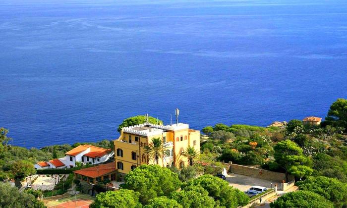 Hotel Castello Monticello a Giglio Porto, GROSSETO | Groupon Getaways