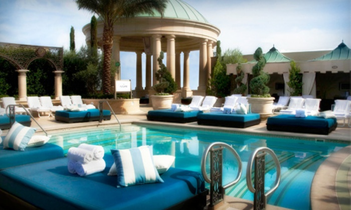 Azure Luxury Pool at The Palazzo  - The Strip: $20 for Pool-Club Entry and Open Bar at Azure Luxury Pool at The Palazzo (Up to $75 Value)