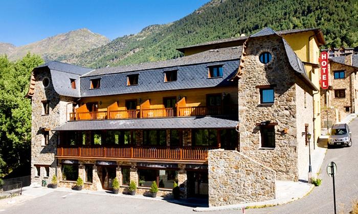 Hotel niunit ordino andorra groupon getaways for Destockage hotel