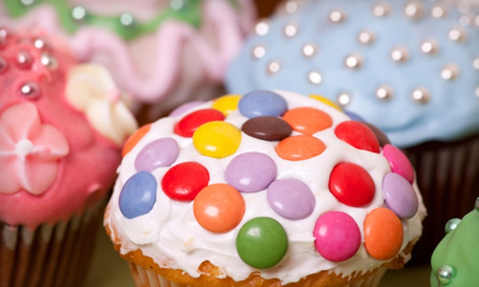 America's Biggest Cupcake Decorating Event, the Fort Lauderdale Edition, from Charm City Cupcakes - Central Beach: Classes at America's Biggest Cupcake Decorating Event, the Fort Lauderdale Edition, from Charm City Cupcakes (Half Off). Four Options Available.