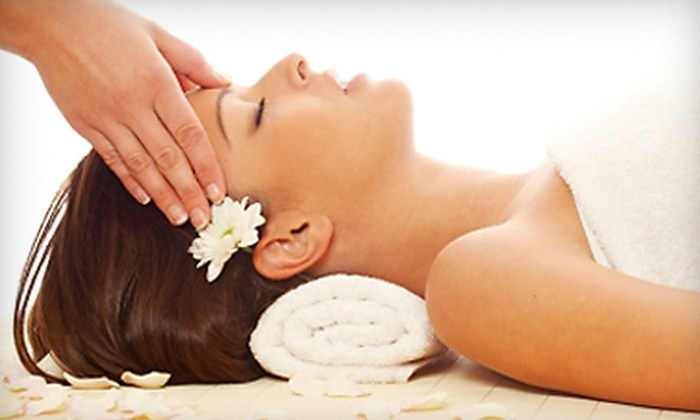The Retreat Salon & Day Spa - Dublin: $150 for a Mandarin-Honey-and-White-Tea Mother's Day Spa Package at The Retreat Salon & Day Spa ($403.50 Value) in Dublin
