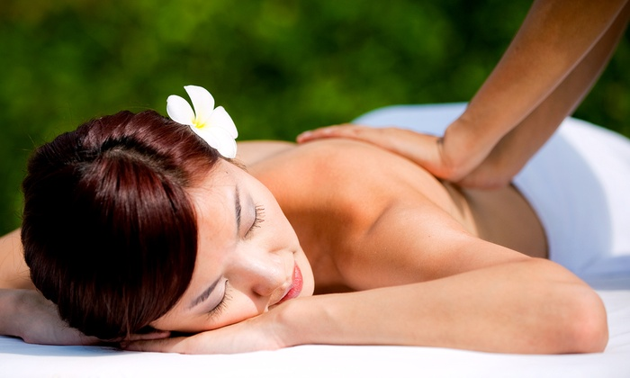 Melting Pot Grooming and Beauty - Dunwoody: $40 for a 60-Minute Deep-Tissue Massage at Melting Pot Grooming and Beauty ($90 Value)