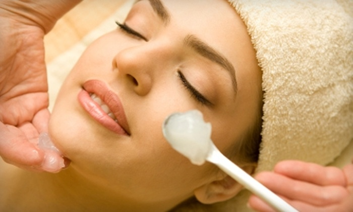 Pour L'image - Plymouth: $85 for a Rejuvenating Skincare Package at Pour L'image in Conshohocken (Up to $225 Value)