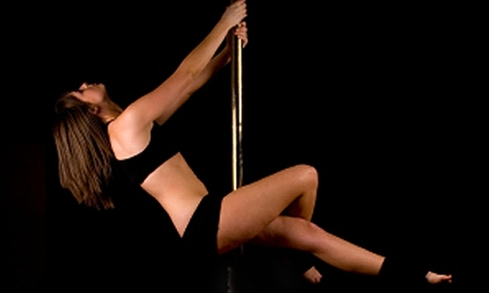 Free Movement Zone - University District: $35 for a Four-Class Intro to Pole Dancing Series at Free Movement Zone ($87.60 Value)