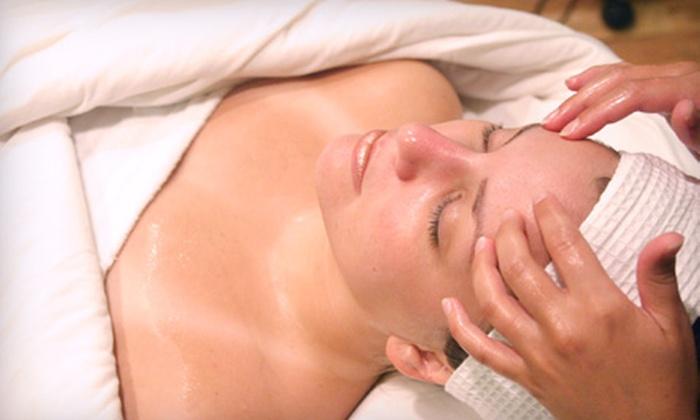 Pelle Sana Salon - DePaul: $49 for a 75-Minute Customizable Deep-Cleaning Facial at Pelle Sana Salon ($105 Value)
