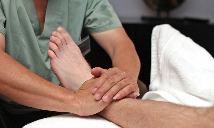 DQ Luxury Reflexology Massage & Relaxation Retreat - Downtown: $49 for 60-Minute Couples Reflexology at Luxury Reflexology Massage & Relaxation Retreat ($160 Value)