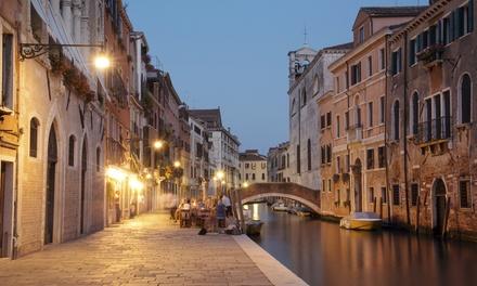 Venezia, Al Canal Regio: Una notte in camera superior con colazione ed 1 cena opzionale per 2 persone