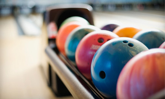 Funway Ultimate Entertainment Center - Batavia: $25 for Bowling, Pizza, and Bumper Cars for Four at Funway Ultimate Entertainment Center in Batavia (Up to $56.75 Value)