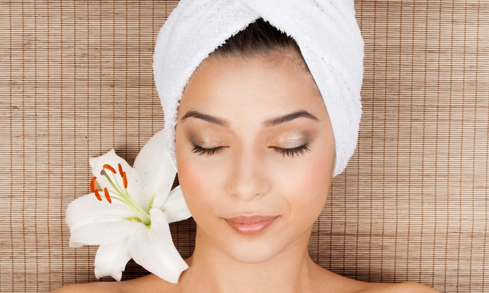 Stevie Burtchell, Stylist - Kerrville: Chocolate-, Pumpkin-, or Oatmeal-Facial Package with Hot-Oil Treatment from Stevie Burtchell, Stylist (51% Off)