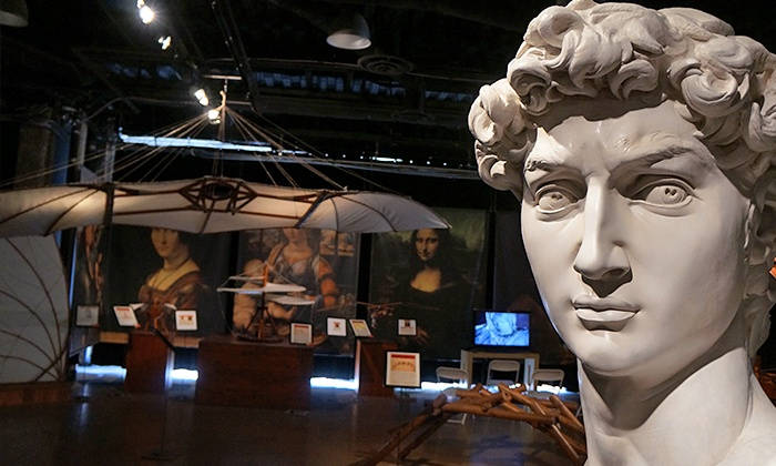 """DaVinci and Michelangelo: Side by Side"" Exhibit - Bradenton Auditorium: ""DaVinci and Michelangelo: Side by Side"" Exhibition at The Bradenton Auditorium Through April 26 (Up to 50% Off)"