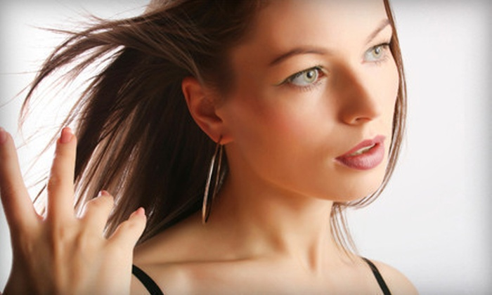 Makeup&GO! and Bubble Blow Dry - Brentwood: Makeover Package with Champagne or Four Blowouts with Scalp Massages at Makeup&Go! and Bubble Blow Dry (Up to 56% Off)